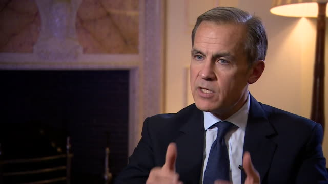 mark carney talking about a 'worstcase scenario' the bank of england have drawn up in the case of a 'nodeal' brexit - バンク オブ イングランド点の映像素材/bロール