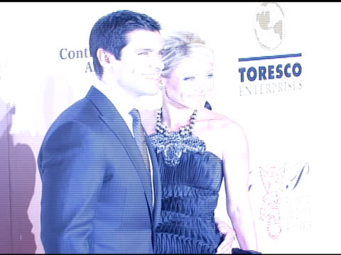 mark consuelos and kelly ripa at the denise rich marks 10th year of the gp foundation with an evening of stars and music at the 2007 angel ball at... - marriott marquis new york stock videos & royalty-free footage