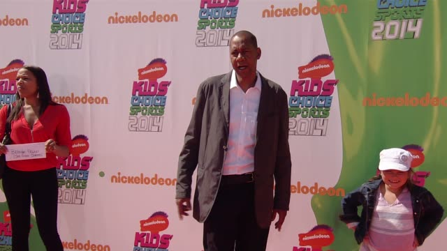 vídeos de stock e filmes b-roll de mark curry nickelodeon kids' choice sports awards 2014 at pauley pavilion on july 17 2014 in los angeles california - nickelodeon