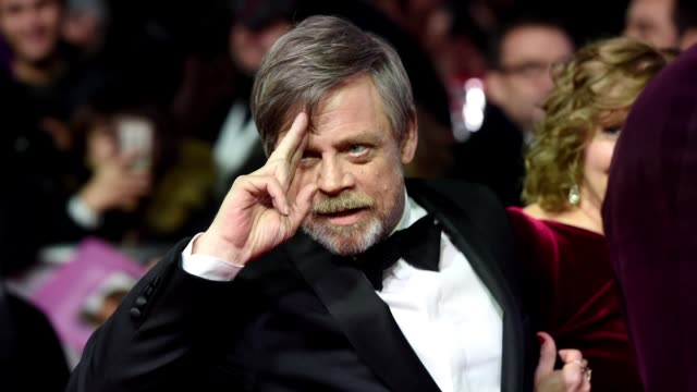 vídeos y material grabado en eventos de stock de gif mark hamill at 'star wars the last jedi' european premiere at royal albert hall on december 12 2017 in london england - formato de archivo gif