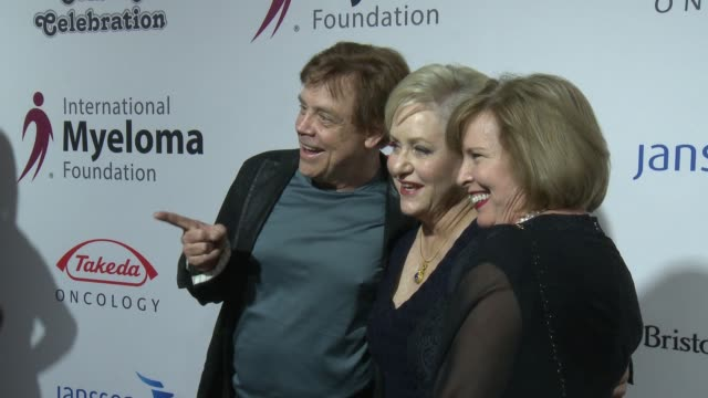 mark hamill, loraine alterman boyle, marilou york at international myeloma foundation's 10th annual comedy celebration benefiting the peter boyle... - peter boyle stock videos & royalty-free footage
