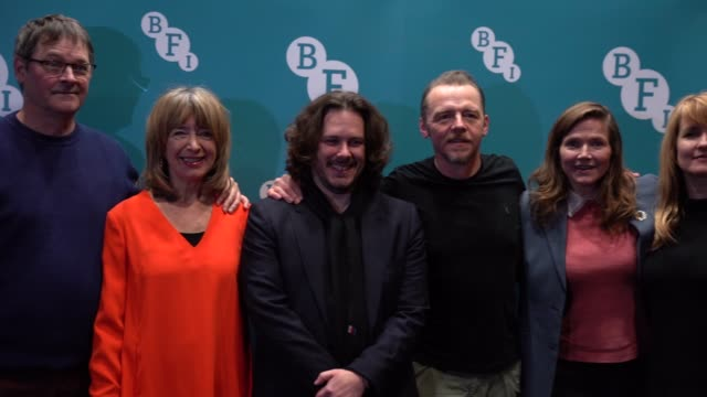 slomo mark heap julia deakin edgar wright simon pegg jessica hynes and katy carmichael attend the spaced anniversary screening at bfi southbank on... - proiezione evento pubblicitario video stock e b–roll