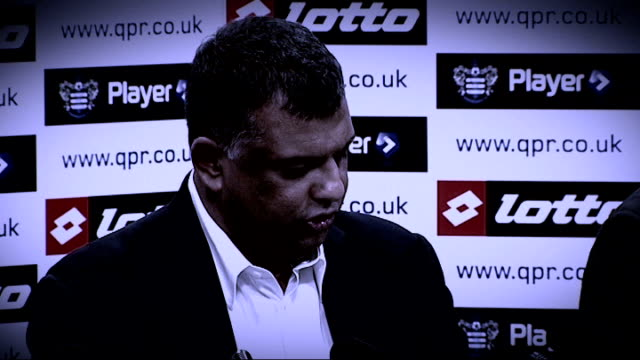 mark hughes sacked by qpr t18081108 / tx 1882011 tony fernandes press conference sot harlington ext graphic shot neil warnock at training session... - トニー・フェルナンデス点の映像素材/bロール