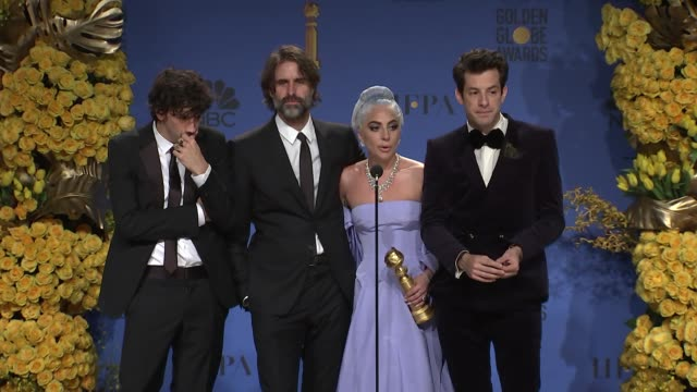 stockvideo's en b-roll-footage met speech mark ronson anthony rossomando andrew wyatt and lady gaga at the 76th annual golden globe awards press room at the beverly hilton hotel on... - golden globe awards
