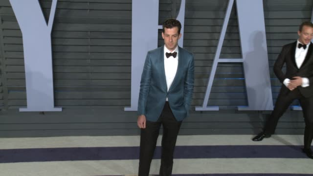 mark ronson at 2018 vanity fair oscar party on march 04 2018 in beverly hills california - 2018 video stock e b–roll