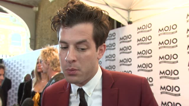 stockvideo's en b-roll-footage met mark ronson on working with rumblestripes working with duran duran and then starting his new album at the the mojo honours list 2009 at london england - duran duran