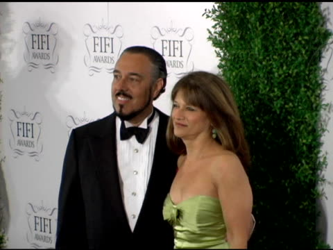 mark rosen and pamela vaile at the 34th annual fifi awards presented by the fragrance foundation at the hammerstein ballroom in new york, new york on... - hammerstein ballroom bildbanksvideor och videomaterial från bakom kulisserna