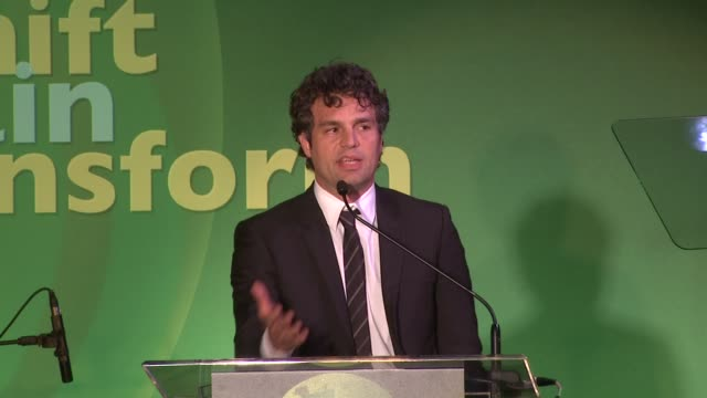 mark ruffalo accepts his award and challenges washington on using solar energy at the global green usa celebrates 15th annual millennium awards at... - mark ruffalo stock videos and b-roll footage
