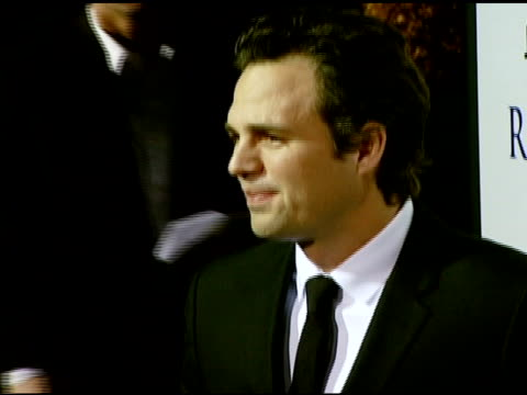 vidéos et rushes de mark ruffalo at the 'reservation road' los angeles premiere at academy of motion picture arts and sciences in beverly hills, california on october... - academy of motion picture arts and sciences