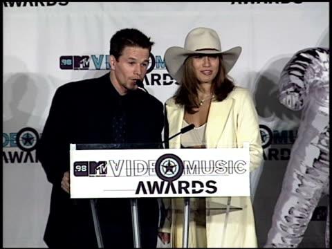 mark wahlberg at the 1998 mtv video music awards press room at universal amphitheatre in universal city, california on september 10, 1998. - ギブソンアンフィシアター点の映像素材/bロール