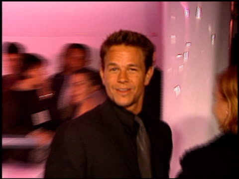 vídeos de stock, filmes e b-roll de mark wahlberg at the absolut party at arena in los angeles california on may 20 1999 - 1999