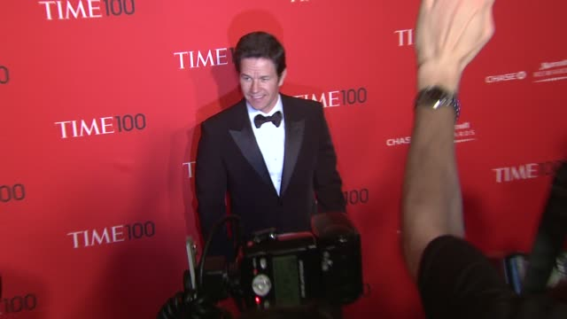 vídeos de stock, filmes e b-roll de mark wahlberg at the time 100 gala time's 100 most influential people in the world at new york ny - evento anual