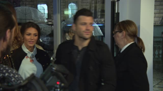 mark wright, michelle keegan at fashion for relief charity fashion show & interviews at somerset house on february 19, 2015 in london, england. - ファッションフォーリリーフ点の映像素材/bロール