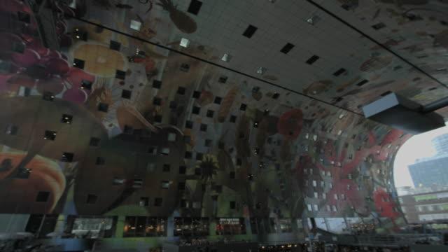 vídeos y material grabado en eventos de stock de market hall, rotterdam, the netherlands - rotterdam