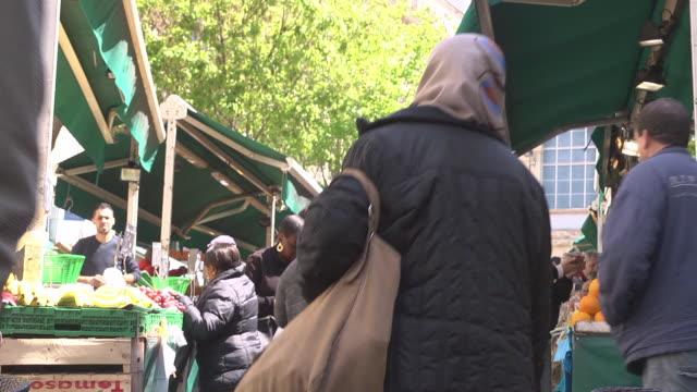 vidéos et rushes de market in marseille - marseille