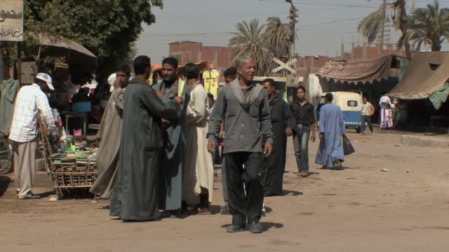 ms market scene, assyout, egypt - エジプト点の映像素材/bロール