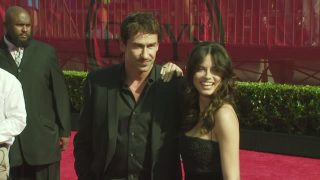 vídeos de stock, filmes e b-roll de marko jaric and adriana lima at the 2008 espy awards at los angeles ca - adriana lima