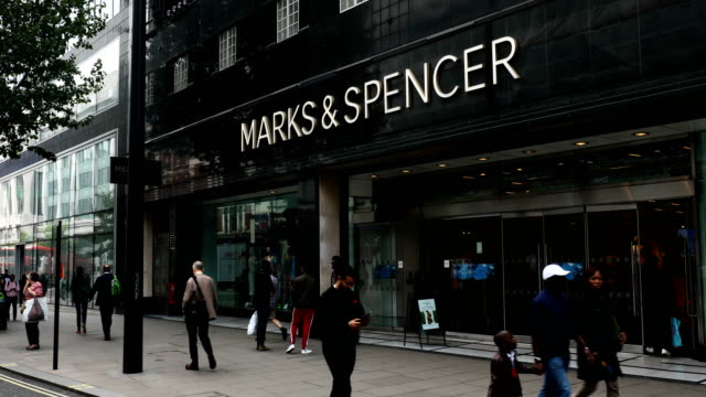 vídeos de stock e filmes b-roll de a marks and spencer store stands on oxford street on may 24 2018 in london england ms has suffered a sharp fall in profits following the announcement... - marks and spencer
