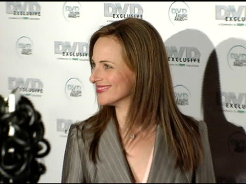 vidéos et rushes de marlee matlin at the dvd exclusive awards at california science center in los angeles, california on february 8, 2005. - exclusivité