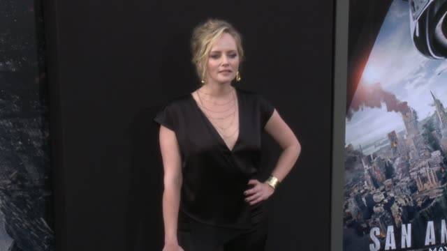 stockvideo's en b-roll-footage met marley shelton at the san andreas los angeles world premiere at tcl chinese theatre on may 26 2015 in hollywood california - mann theaters