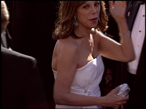 Marlo Thomas at the 2004 Emmy Awards Arrival at the Shrine Auditorium in Los Angeles California on September 19 2004