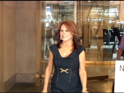 Marlo Thomas poses for photographers as she departs the 'Today Show' in New York 06/21/11