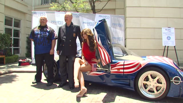 marlon kirby bruce mcmahan and playmate of the year hope dworaczyk at the new and improved maxximus g force the world's fastest car unveiled at... - mahan stock videos & royalty-free footage