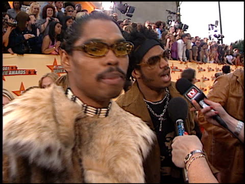 Marlon Wayans at the 2001 MTV Movie Awards entrances at the Shrine Auditorium in Los Angeles California on June 2 2001