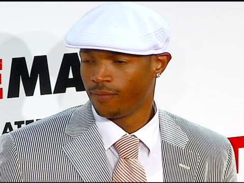 marlon wayans at the 'little man' premiere at the mann national theatre in westwood california on july 6 2006 - mann national theater stock videos and b-roll footage