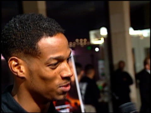 marlon wayans at the 'most wanted' premiere at cineplex odeon century plaza in century city, california on october 7, 1997. - odeon cinemas点の映像素材/bロール