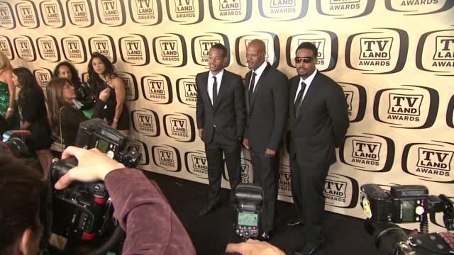 marlon wayans keenen ivory wayans and shawn wayans at tv land awards 10th anniversary arrivals at lexington avenue armory on april 14 2012 in new... - tv land awards stock videos and b-roll footage