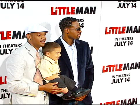 marlon wayans linden porco and shawn wayans at the 'little man' premiere at the mann national theatre in westwood california on july 6 2006 - mann national theater stock videos & royalty-free footage