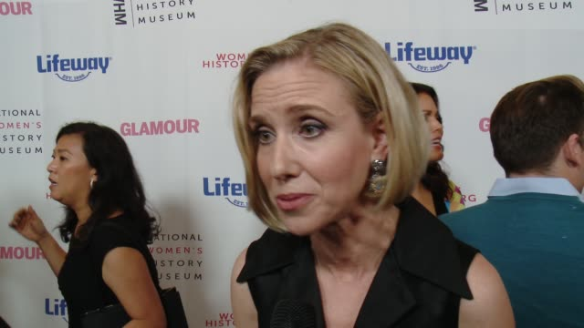 marne levine at women making history awards honoring kerry washington, instagram coo marne levine, & spacex president & coo gwynne shotwell at the... - the beverly hilton hotel stock videos & royalty-free footage
