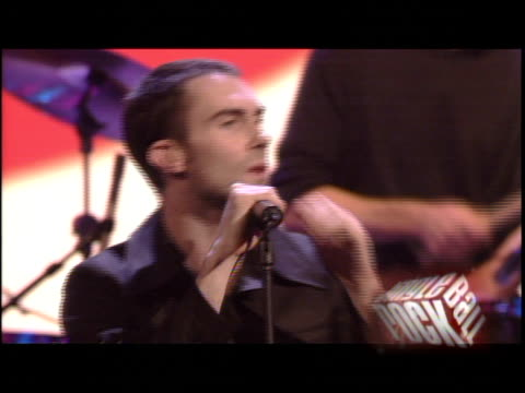 stockvideo's en b-roll-footage met maroon 5 at the kiis fm jingle ball concert 2004 at the pond of aneheim in aneheim, california on december 4, 2004. - 2004