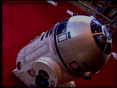 vídeos de stock, filmes e b-roll de marquee at the 'star wars: episode iii - revenge of the sith' premiere on may 12, 2005. - série de filmes star wars