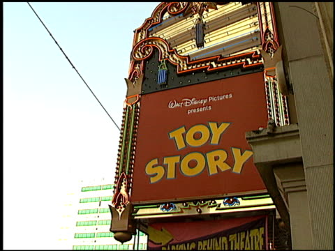 marquee at the 'toy story' premiere at the el capitan theatre in hollywood california on november 19 1995 - 1995 stock-videos und b-roll-filmmaterial