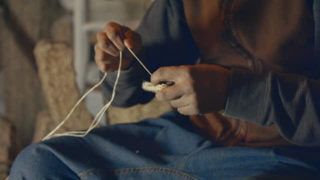 marrakech - tassoultante market - craftsmanship - モロッコ文化点の映像素材/bロール