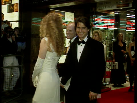 marriage of michael jackson and lisa-marie presley; night tom cruise with wife nicole kidman lams jackson performs on stage - ニコール・キッドマン点の映像素材/bロール