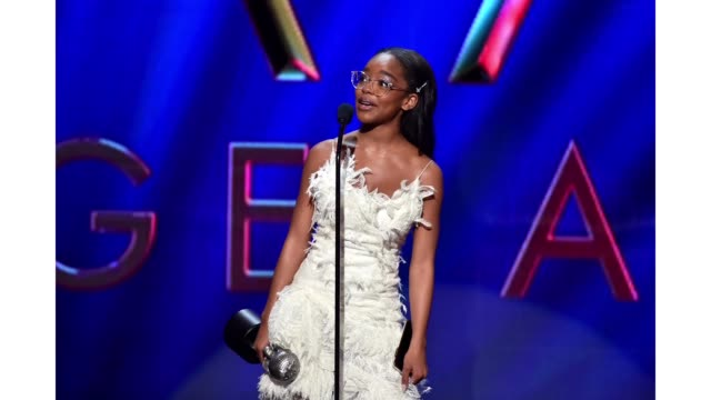 "marsai martin accepts the outstanding supporting actress in a motion picture award for ""little"" onstage during the 51st naacp image awards, presented... - bet awards bildbanksvideor och videomaterial från bakom kulisserna"