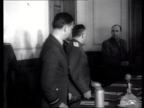 vídeos de stock, filmes e b-roll de ms marshal georgy zhukov air chief marshal arthur william tedder general carl spaatz and general jean de lattre de tassigny entering room/ ms pan... - 1945