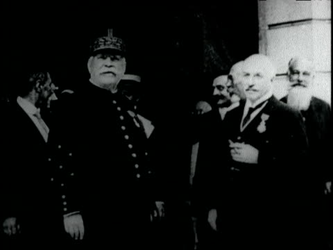 marshal joseph joffre presides at the celebration in honor of mr edward shearson the american philanthropist / marshal joffre at a party with... - 1917 stock-videos und b-roll-filmmaterial