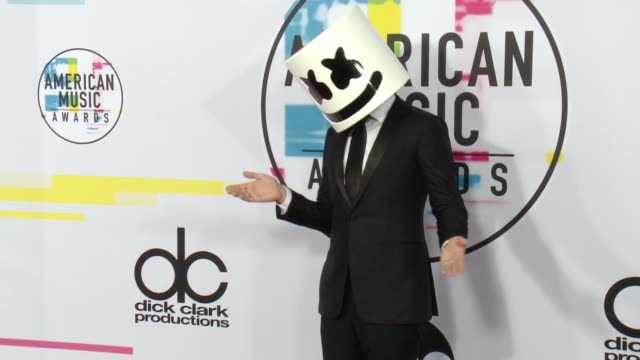 marshmello at 2017 american music awards on november 19 2017 in los angeles california - american music awards stock videos & royalty-free footage