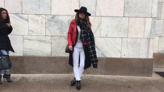 marta holacuore attending leitmotiv show on february 27, 2016 in milan, italy. outfit details: shoes: bershka bag: sandro jacket: stradivarius coat:... - bershka designer label点の映像素材/bロール