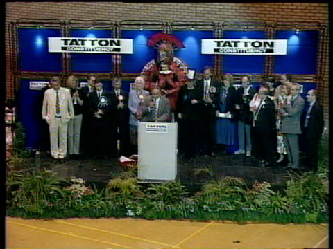martin bell's election defeat of neil hamilton 1997 general election 02 may 97 - conservative party uk stock videos and b-roll footage