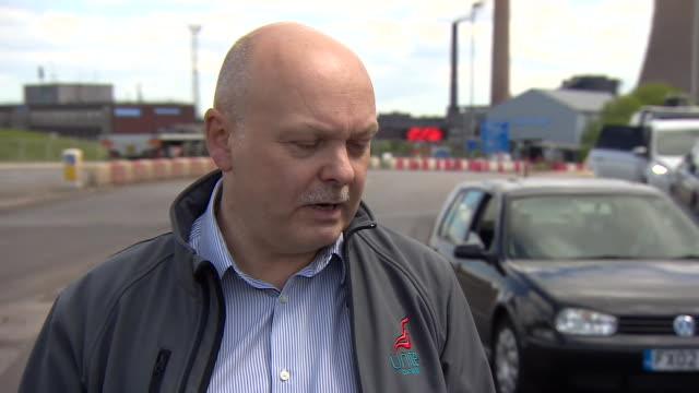 martin foster of unite the union saying he sees temporary renationalisation as a solution to the problems facing the british steel industry - 2008 stock-videos und b-roll-filmmaterial