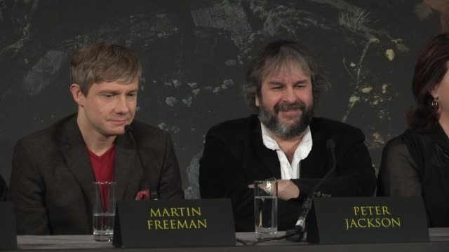 martin freeman at 'the hobbit' uk press conference martin freeman on directors at claridges hotel on december 11 2012 in london england - martin freeman stock videos and b-roll footage
