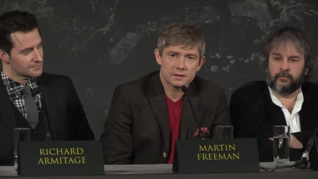 martin freeman at 'the hobbit' uk press conference martin freeman on multi filming schedules at claridges hotel on december 11 2012 in london england - martin freeman stock videos and b-roll footage