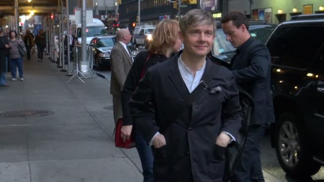 vídeos y material grabado en eventos de stock de martin freeman at the 'late show with david letterman' studio in new york ny on 12/4/12 - martin freeman