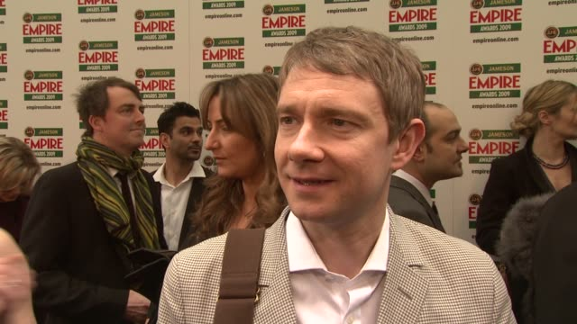 vídeos y material grabado en eventos de stock de martin freeman being at the ceremony to support his friends mackenzie crook and not working at the moment at the jameson empire awards 2009 at london - martin freeman