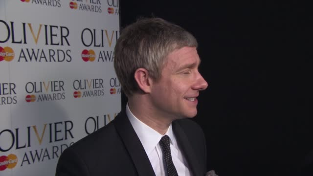 vídeos y material grabado en eventos de stock de interview martin freeman on sherlock holmes and his upcoming show 'fargo' at the laurence olivier awards with mastercard on april 13 2014 in london... - martin freeman